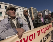 1427891491-pensioners-demonstrate-in-athens-against-cuts-to-pensions-greece_7259226