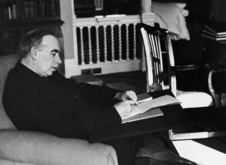 British economist John Maynard Keynes (1883 - 1946) in his study in Gordon Square, Bloomsbury, London, 16th March 1940. Original publication: Picture Post - 361 - Mr Keynes Has A Plan - pub. 1940 (Photo by Tim Gidal/Picture Post/Hulton Archive/Getty Images)