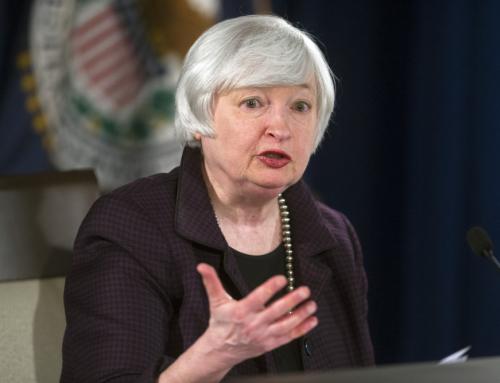 """Ao contrário do que diz a imprensa, o Banco Central americano não tem como """"elevar os juros"""""""