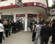 cyprus-banks-remain-closed.si