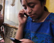 guatemala-girl-cell-phone