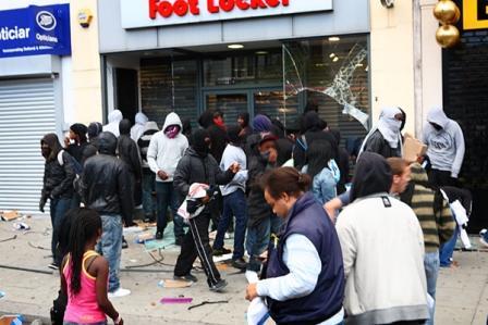 london-riots-02